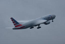 mojioさんが、成田国際空港で撮影したアメリカン航空 777-223/ERの航空フォト(写真)