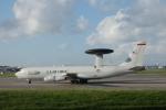 SuneKumaさんが、嘉手納飛行場で撮影したアメリカ空軍 E-3B Sentry (707-300)の航空フォト(写真)