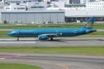 resocha747さんが、福岡空港で撮影したベトナム航空 A321-231の航空フォト(写真)