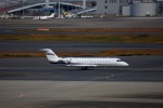 KAZKAZさんが、羽田空港で撮影したバミューダ個人所有 CL-600-2B19 Challenger 850の航空フォト(写真)