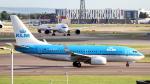 誘喜さんが、ロンドン・ヒースロー空港で撮影したKLMオランダ航空 737-7K2の航空フォト(写真)