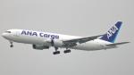 誘喜さんが、香港国際空港で撮影した全日空 767-381/ER(BCF)の航空フォト(写真)