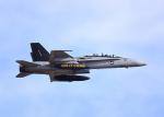 Aurora56さんが、厚木飛行場で撮影したアメリカ海兵隊 F/A-18D Hornetの航空フォト(写真)