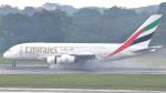 誘喜さんが、シンガポール・チャンギ国際空港で撮影したエミレーツ航空 A380-861の航空フォト(写真)