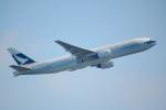 KoshiTomo✈さんが、成田国際空港で撮影したキャセイパシフィック航空 777-267の航空フォト(写真)