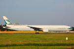 KoshiTomo✈さんが、成田国際空港で撮影したキャセイパシフィック航空 777-367の航空フォト(写真)