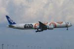 ceskykrumlovさんが、羽田空港で撮影した全日空 777-381/ERの航空フォト(写真)