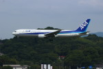 resocha747さんが、福岡空港で撮影した全日空 767-381の航空フォト(写真)