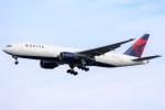 ばっきーさんが、羽田空港で撮影したデルタ航空 777-232/ERの航空フォト(写真)