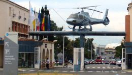 cathay451さんが、マルセイユ・プロバンス空港で撮影したユーロコプター AS350Z Ecureuilの航空フォト(飛行機 写真・画像)