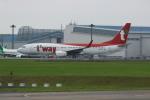 resocha747さんが、成田国際空港で撮影したティーウェイ航空 737-8ASの航空フォト(写真)