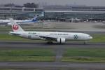 resocha747さんが、羽田空港で撮影した日本航空 777-246の航空フォト(写真)