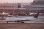 hiroki-JA8674さんが、羽田空港で撮影したデルタ航空 777-232/ERの航空フォト(写真)