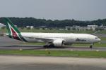 神宮寺ももさんが、成田国際空港で撮影したアリタリア航空 777-2Q8/ERの航空フォト(写真)