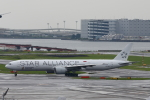 beeさんが、羽田空港で撮影したシンガポール航空 777-312/ERの航空フォト(写真)