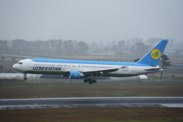kumagorouさんが、仙台空港で撮影したウズベキスタン航空 767-33P/ERの航空フォト(写真)