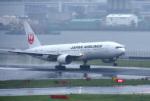 mojioさんが、羽田空港で撮影した日本航空 777-289の航空フォト(写真)