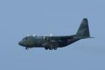 かずまっくすさんが、三沢飛行場で撮影した航空自衛隊 C-130H Herculesの航空フォト(写真)