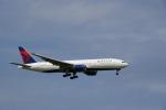 senbaさんが、成田国際空港で撮影したデルタ航空 777-232/ERの航空フォト(写真)