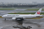 mojioさんが、羽田空港で撮影した日本航空 777-246の航空フォト(写真)