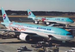 プルシアンブルーさんが、成田国際空港で撮影した大韓航空 777-2B5/ERの航空フォト(写真)