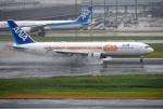 mojioさんが、羽田空港で撮影した全日空 767-381/ERの航空フォト(写真)