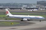 B747‐400さんが、羽田空港で撮影した中国国際航空 A330-343Xの航空フォト(写真)