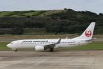 にしやんさんが、長崎空港で撮影した日本航空 737-846の航空フォト(写真)