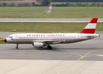 voyagerさんが、ウィーン国際空港で撮影したオーストリア航空 A320-214の航空フォト(飛行機 写真・画像)