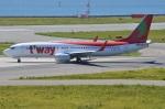 amagoさんが、関西国際空港で撮影したティーウェイ航空 737-8Q8の航空フォト(写真)