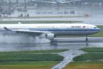 mojioさんが、羽田空港で撮影した中国国際航空 A330-343Xの航空フォト(写真)