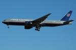 Tomo-Papaさんが、成田国際空港で撮影したユナイテッド航空 777-222/ERの航空フォト(写真)