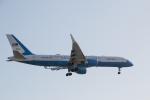LA TSUTOMUさんが、ロサンゼルス国際空港で撮影したアメリカ空軍 VC-32A (757-2G4)の航空フォト(写真)