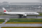 mojioさんが、羽田空港で撮影した日本航空 777-346の航空フォト(写真)