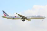 KoshiTomo✈さんが、成田国際空港で撮影したエールフランス航空 777-328/ERの航空フォト(写真)