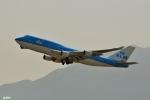 妄想竹さんが、香港国際空港で撮影したKLMオランダ航空 747-406Mの航空フォト(写真)