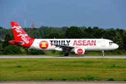 まいけるさんが、コーンケン空港で撮影したタイ・エアアジア A320-216の航空フォト(飛行機 写真・画像)