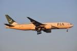 ぼんやりしまちゃんさんが、北京首都国際空港で撮影したパキスタン国際航空 777-240/ERの航空フォト(写真)