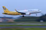 やまさんが、成田国際空港で撮影したバニラエア A320-214の航空フォト(写真)