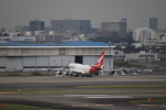 msrwさんが、羽田空港で撮影したカンタス航空 747-438の航空フォト(写真)