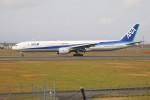 北の熊さんが、新千歳空港で撮影した全日空 777-381の航空フォト(写真)