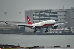 tsubasa0624さんが、羽田空港で撮影した上海航空 A330-343Xの航空フォト(飛行機 写真・画像)