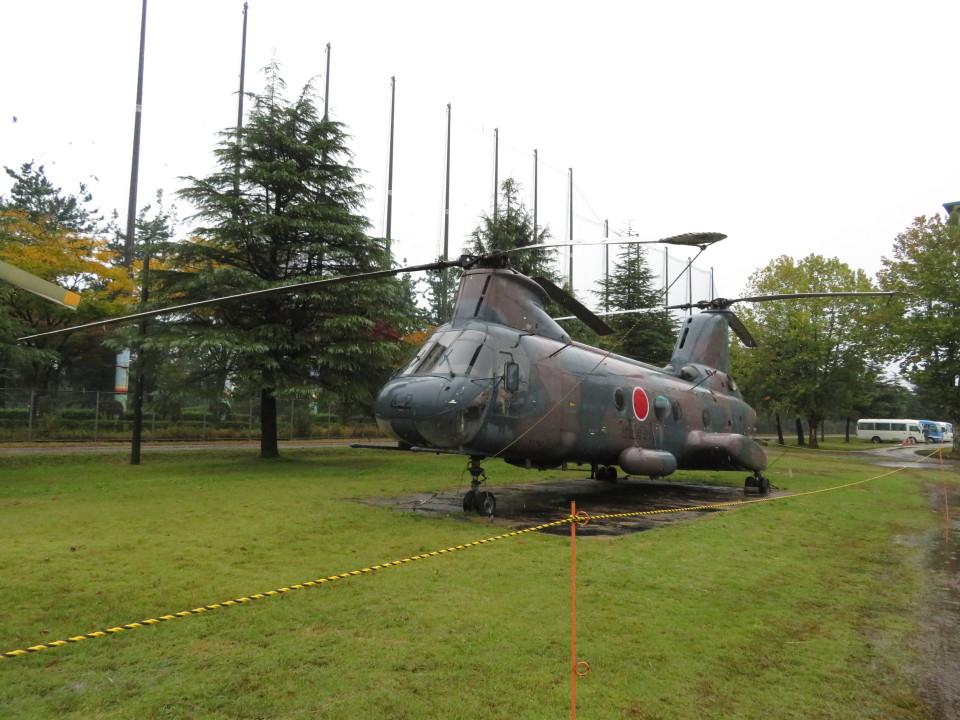 MIRAGE E.Rさんの陸上自衛隊 Kawasaki V-107 (51742) 航空フォト