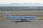 meijeanさんが、新千歳空港で撮影した日本航空 737-846の航空フォト(写真)