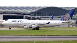 誘喜さんが、ロンドン・ヒースロー空港で撮影したユナイテッド航空 747-422の航空フォト(飛行機 写真・画像)