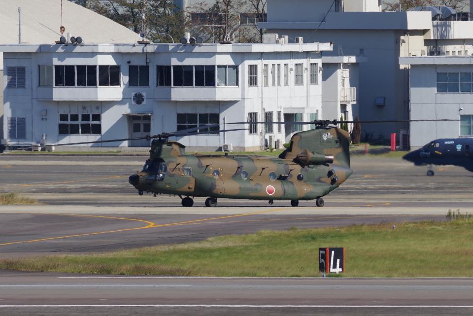 yabyanさんの陸上自衛隊 Kawasaki CH-47J Chinook (52955) 航空フォト