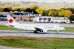 eagletさんが、ミネアポリス・セントポール国際空港で撮影したエア・カナダ・エクスプレス ERJ-170-200 SU (ERJ-175SU)の航空フォト(写真)
