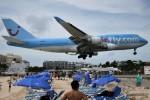 こじゆきさんが、プリンセス・ジュリアナ国際空港で撮影したコルセールフライ 747-422の航空フォト(写真)