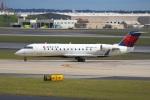 でるちん⊿さんが、ハーツフィールド・ジャクソン・アトランタ国際空港で撮影したデルタ・コネクション CL-600-2B19 Regional Jet CRJ-200LRの航空フォト(写真)