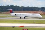 でるちん⊿さんが、ハーツフィールド・ジャクソン・アトランタ国際空港で撮影したデルタ航空 MD-88の航空フォト(写真)